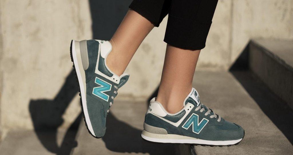 Dalle solette per scarpe alle famose sneakers. La storia di New ...