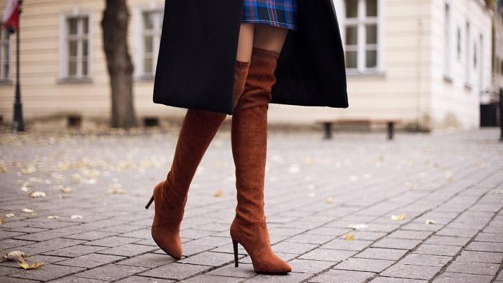 Stivali sopra il ginocchio o cuissardes: diverse idee per