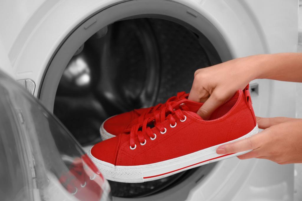 Perché non dovresti lavare le scarpe in lavatrice | Blog escarpe.it