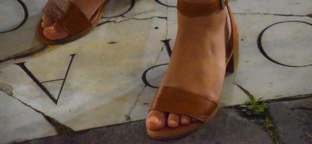 sandali tacco basso