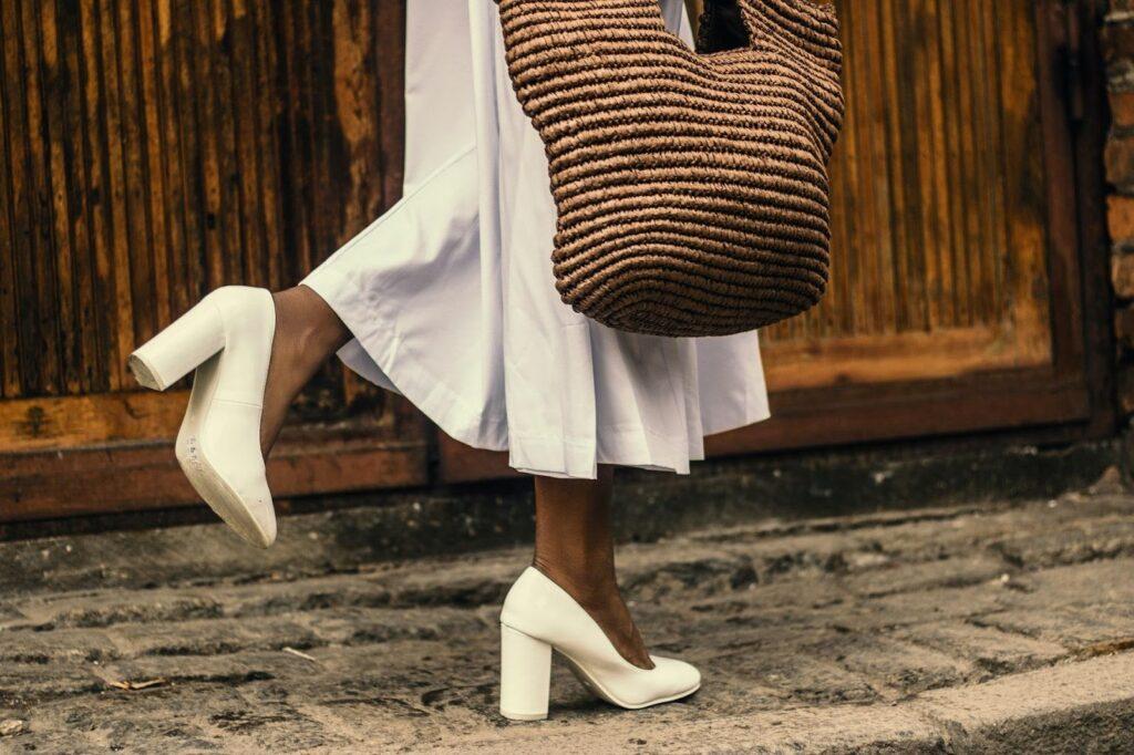 scarpe per abito bianco